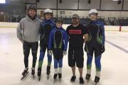 Trois patineurs du club de Gatineau posent en... (Photo courtoisie) - image 3.0