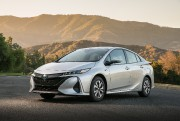 Une hybride rechargeable Prius Prime 2017. Photo: Toyota... - image 6.0