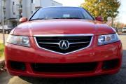 Cette Acura rouge est identique à celle qui... (Olivier Croteau) - image 4.0