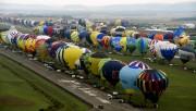 Plus de quarante-cinq nationalités étaient représentées pour cet... (AFP, Alexandre MARCHI) - image 2.0