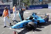 Sebastien Buemiest sorti indemne de son accident, mais... (PHOTO RYAN REMIORZ, LA PRESSE CANADIENNE) - image 2.0