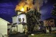 L'incendie sur la rue Price a été rapporté... (Photo Le Quotidien, Gimmy Desbiens) - image 1.0