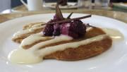 Crêpe à la farine de quenouilles, agrémentée de... (Julie Moffet, Forêt Montmorency) - image 4.0