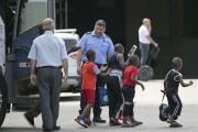 Mardi seulement, quelque 500 demandeurs d'asile auraient franchi... (La Presse, David Boily) - image 3.0
