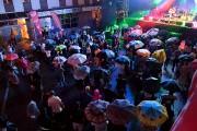 Malgré la pluie, les spectateurs étaient au rendez-vous.... (Le Progrès, Rocket Lavoie) - image 2.0