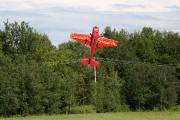 Cette manoeuvre consiste à faire tenir l'avion à... (Julie Catudal, La Voix de l'Est) - image 1.0