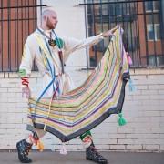 Stephen West offre des ateliers de tricot dans... (photo tirée du compte instagram de stephen west) - image 1.1
