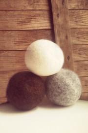 Les petites balles de laine sont biodégradables. Il... - image 2.0