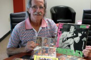 Mario Ménard possède une collection de 66 cartes-souvenirs... (Alain Dion) - image 2.0