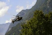Un hélicoptère survole Bondo, à la recherche des... (AFP) - image 2.0