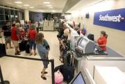 Des gens s'apprêtent à quitter Corpus Christi le... (AP) - image 1.0