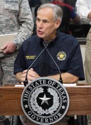 Le gouverneur du Texas, Greg Abbott.... (AFP) - image 2.0
