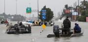 Les autorités du Texas ont indiqué que 10... (photo david j. phillip, associated press) - image 1.0