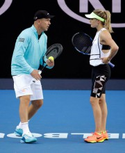 Eugenie Bouchard en compagnie de son entraîneur Thomas... (Photo Aaron Favila, Archives Associated Press) - image 2.0