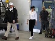 Melania Trump a changé de tenue en milieu... (AP) - image 2.0