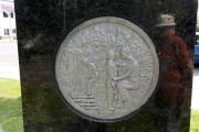 Voici le médaillon sur lequel on voit Marguerite... (Photo Le Quotidien, Jeannot Lévesque) - image 2.0
