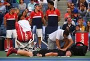Kyle Edmund fait appel aux services des soigneurs.... (Photo TIMOTHY A. CLARY, AFP) - image 1.0