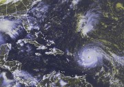 Sur cette image satellite prise mardi, l'ouragan Irma... (AP) - image 2.0