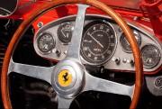 Le volant d'une Ferrari des années 50. Photo:... - image 7.0