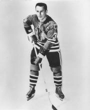 Pierre Pilote dans l'uniforme des Blackhawks en 1962.... (AP) - image 2.0