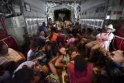 Des citoyens américains ont été évacués de Saint-Martin... (AP) - image 3.0