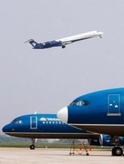 Un avionCRJ-900 de Bombardier... (photo archives reuters) - image 1.1