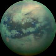 Une photographieinfrarouge de Titan.... (AP) - image 2.0
