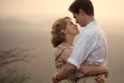 Claire Foy etAndrew Garfield dans le film Breathe,... (photo fournie par le TIFF) - image 3.0