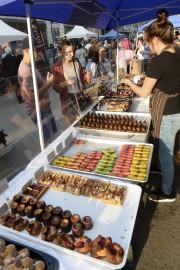 ...aux desserts!... (Le Soleil, Jean-Marie Villeneuve) - image 2.1