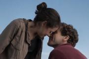 Jake Gyllenhaal et Tatiana Maslany dans Stronger, un... (Photofournie par Les Films Séville) - image 2.0