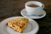Un scone au cheddar, pommes et raisins de... (Photo David Boily, La Presse) - image 1.0