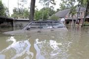 Un VUS submergé à Houston le 4 septembre... - image 4.0