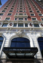 L'hôtel Blackstone.... (AP) - image 2.0
