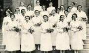 Des infirmières fraichement diplômées prennent la pose devant... (photo fournie par leCentre hospitalier de l'Université de Montréal) - image 1.1