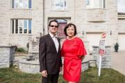 Les courtiers immobiliers Raymond Tsim et Yvonne Lee... (PHOTO ÉDOUARD PLANTE-FRECHETTE, LA PRESSE) - image 3.0