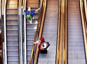 Le port du voile entraîne parfois des regards... (PHOTO MICHAEL PROBST, ARCHIVES ASSOCIATED PRESS) - image 1.0
