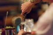 Ce ne sont pas des «servantes de bar»... (PHOTO OLIVIER JEAN, LA PRESSE) - image 2.0