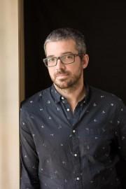 Matthieu Simard est l'auteur du romanIci, ailleurs.... (PHOTO IDRA LABRIE) - image 3.0