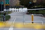 Des enquêteurs arpentent mercredi matin la piste cyclable... (REUTERS) - image 1.1