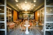 Le restaurant Perles et paddock propose différentes salles... (Photo Olivier PontBriand, La Presse) - image 2.0