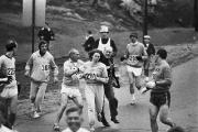 Jock Semple (en noir sur la photo), directeur... (Photo archives AP) - image 1.0