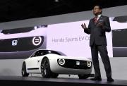 C'est le président de Honda Takahiro Hachigo lui-même... - image 1.0