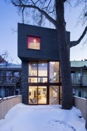 Maison Hôtel-de-Ville, réalisée par la firme Microclimat architecture.... (Photo Adrien Williams, fournie par Microclimat architecture) - image 2.0