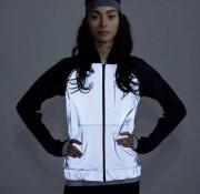 Un manteau réfléchissant de Lululemon (ce modèle n'est... (Photo tirée du site d'eBay) - image 5.0