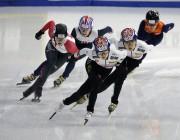 Choi Min-jeong, au centre,devant Kim Boutin, à gauche,... (Photo Ahn Young-joon, AP) - image 1.0