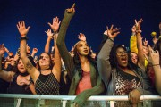 Des festivalières assistent à un concert au festival... (PHOTO AMY HARRIS, ARCHIVES INVISION/ASSOCIATED PRESS) - image 2.0