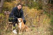 Christophe Bernard et son compagnon d'écriture, son chien... (Photo François Roy, La Presse) - image 2.0