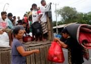 Si 40000 personnes sont déjà parties, les autorités... (Photo REUTERS) - image 1.0