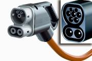Le pistolet de charge d'une borne CCS (combined... - image 1.0