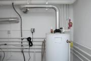 Un chauffe-eau avec réservoir prend évidemment plus d'espace.... (Photo Thinkstock) - image 2.0